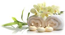 Wellness - Handtücher, Orchideen, Kerzen